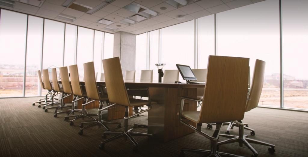 kontorbygning med mødelokale